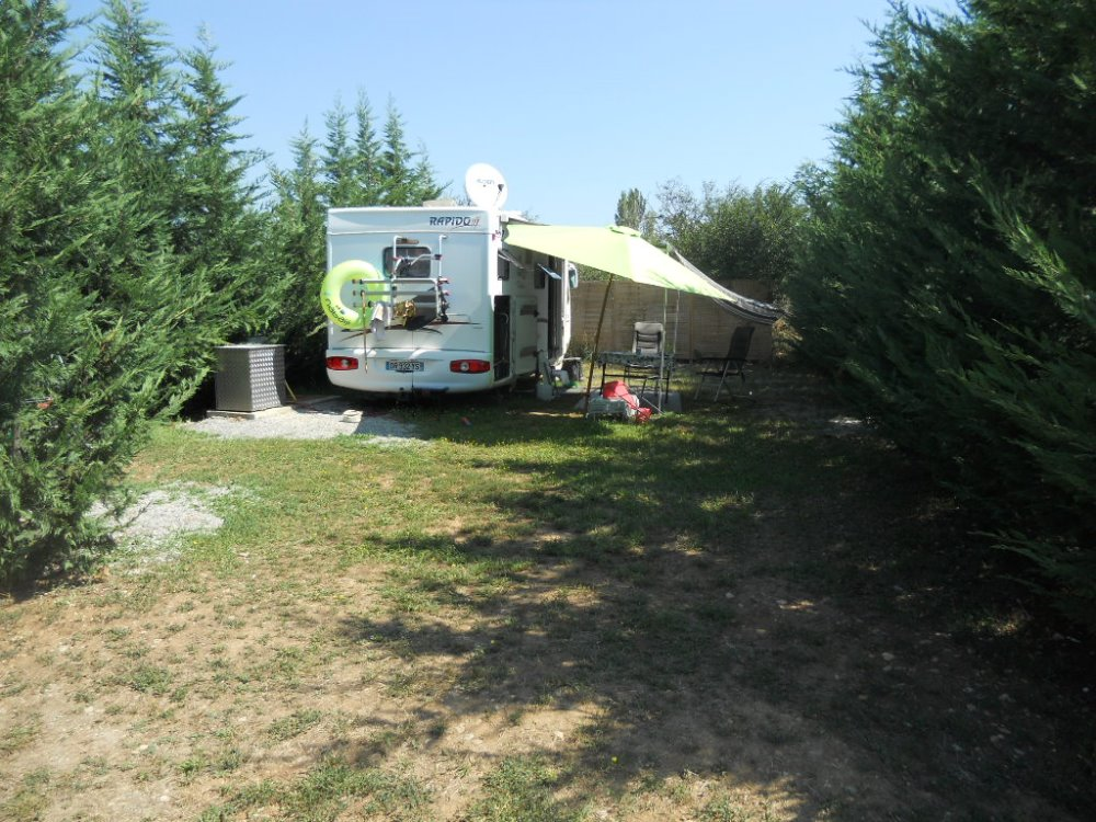 Aire camping-car à Manosque (04100) - Photo 2